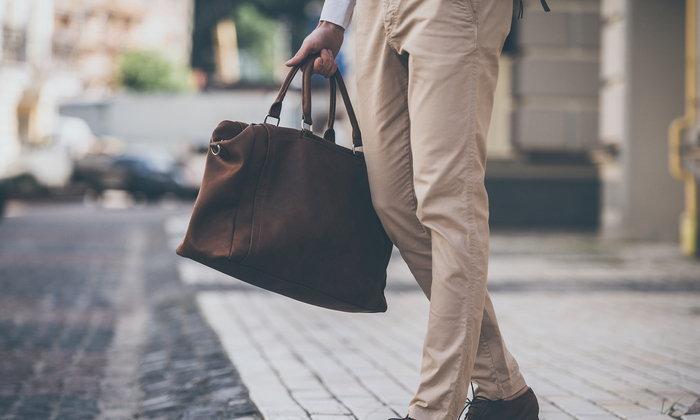 5 กระเป๋าหนังสุดคูล ที่คุณผู้ชายมีไว้ไม่ตกเทรนด์แน่นอน !