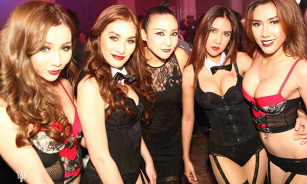 เก็บตกงาน Playboy's Gothic Halloween