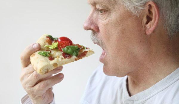หลีกเลี่ยง อาหาร 11 อย่างที่ทำให้คุณ แก่ขึ้น!