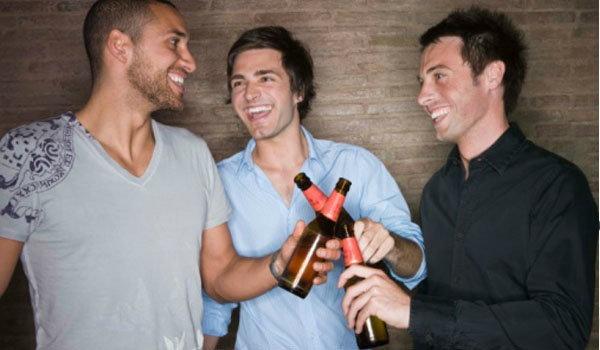 คืนนี้ ดื่มอย่างไร ไม่ให้เมาค้าง