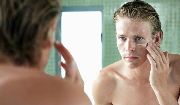 ปัญหาผิวรอบดวงตาของคุณผู้ชายแก้ง่ายๆ ด้วยวิธีต่อไปนี้