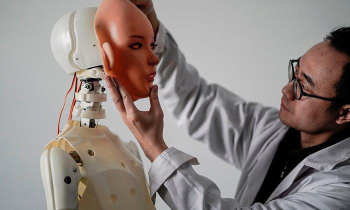 ความรัก สมองกล และการมีเซ็กซ์กับหุ่นยนต์
