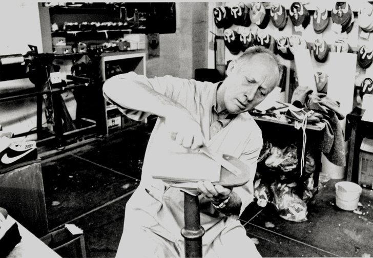 บิลล์ บาวเวอร์แมน กับการผลิตรองเท้า Nike ในช่วงแรกๆ