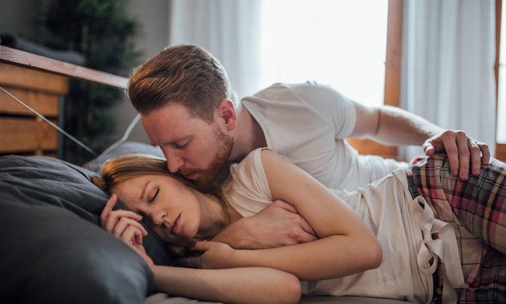 """ไม่ลองไม่รู้ เปลี่ยนสีผ้าปูที่นอน ช่วยให้ """"เซ็กซ์"""" ดีขึ้น"""