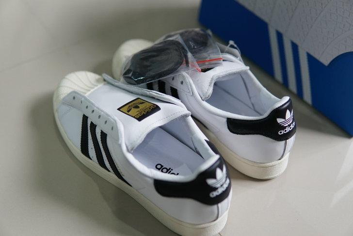 adidas Superstar รุ่น Laceless