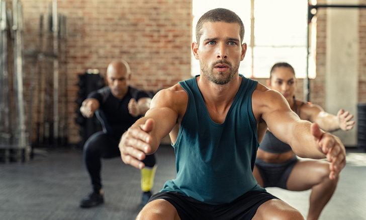 หากคุณรู้สึกไม่สบายคุณควรออกกำลังกายตามปกติหรือไม่?