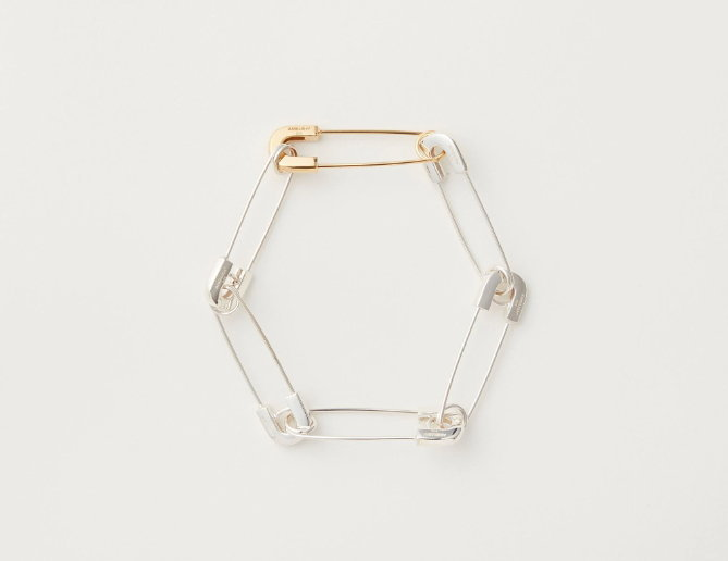 SAFETY PIN LINK BRACELET จาก AMBUSH