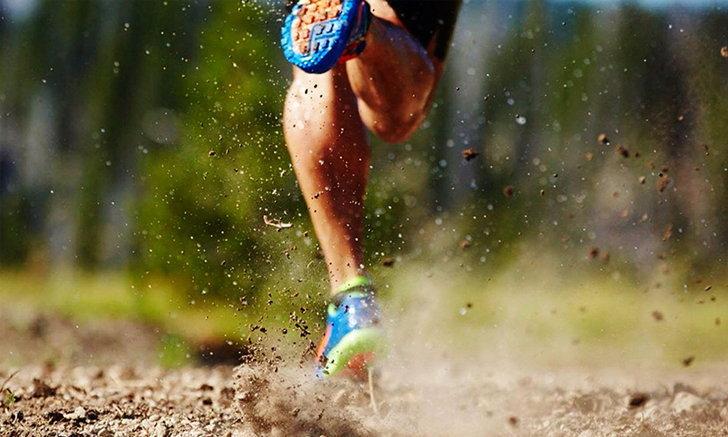 รองเท้าวิ่ง กับ รองเท้าเดิน แตกต่างกันอย่างไร?