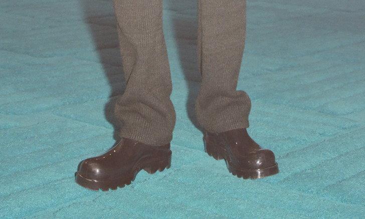 Bottega Veneta รองเท้าบู๊ทหุ้มข้อสั้นที่มาพร้อมความเอนกประสงค์ดูแลรักษาง่าย