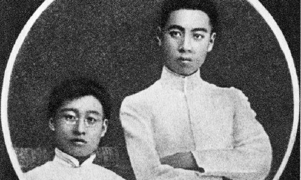 """เผยชีวประวัติสุดอึ้ง """"โจวเอินไหล"""" นายกฯจีนคนแรกเป็นเกย์ !?"""