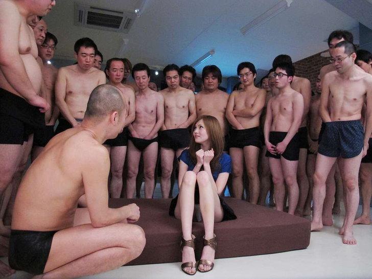 ทำความรู้จักอาชีพในฝันหนุ่มๆ ดาราตัวประกอบ AV ญี่ปุ่น