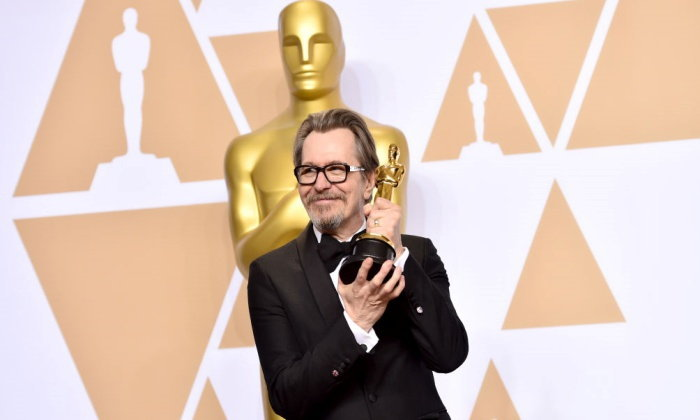 """ทำความรู้จัก """"Gary Oldman"""" หนุ่มใหญ่เจ้าของรางวัลออสการ์แสดงนำชายคนล่าสุด"""