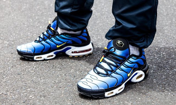 Nike Sportswear Air Max Plus OG Hyper Blue ฉลอง 20 ปี เทคโนโลยี TN