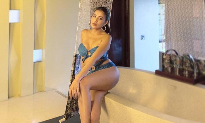"""""""ใบเตย อาร์สยาม"""" กับความเซ็กซี่สมฉายาลูกทุ่งแซ่บเมืองไทย"""
