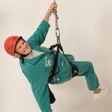 9. ดอริส ลอง คุณยายดอริสฉลองอายุ 1 ศตวรรษของเธอด้วยการหัดปีนหน้าผ้าจำลอง