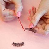 ใช้เป็นเครื่องมือในการเกลี่ยกาวสำหรับติดขนตาปลอมได้อีกด้วย