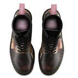 รองเท้าจากอัลบั้ม Power, Corruption & Lies ของวง New Order ดูเท่มากๆ