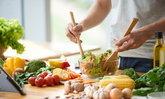 """หนุ่มๆ ชอบกินผัก-ผลไม้ มี """"กลิ่นกาย"""" ดึงดูดใจผู้หญิงได้มากกว่า"""