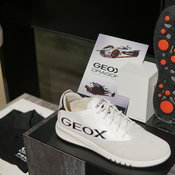 รองเท้า GEOX