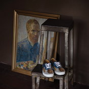 รองเท้าแวนส์และภาพแวน โก๊ะ