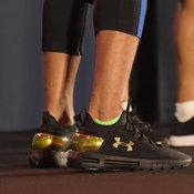 รองเท้าวิ่งฝังชิป Under Armour