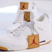 รองเท้าที่รวบรวมซิกเนเจอร์ของ Levi's และ Jordan เป็นอย่างดี