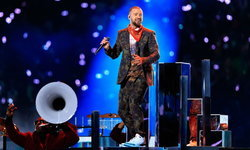 Justin Timberlake ใส่รองเท้ารุ่นอะไรในช่วงการแสดงสดพักครึ่ง Super Bowl ครั้งที่ 52