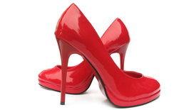 """อึ้ง สาวใช้""""รองเท้าส้นสูง""""แทงแฟนหนุ่มหลายแผล จนเสียชีวิต"""