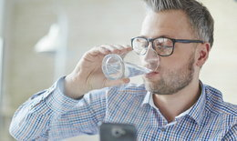 ดื่มน้ำอย่างไรให้เป็นยาอายุวัฒนะ