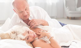 """ผลการศึกษาชี้ """"เซ็กซ์"""" ในผู้สูงวัย ช่วยเรื่องการทำงานของ """"สมอง"""" ได้!"""