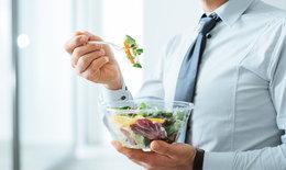 """ผู้ชายที่ชอบกินผัก-ผลไม้ มี""""กลิ่นกาย"""" ดึงดูดใจผู้หญิงได้มากกว่า!"""