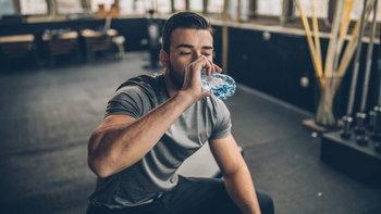 """""""น้ำ"""" สิ่งสำคัญที่ห้ามละเลยเด็ดขาดตอนออกกำลังกาย"""