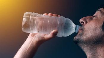 """""""ดื่มน้ำขณะออกกำลังกาย"""" มากแค่ไหนถึงจะเรียกว่าพอดี"""