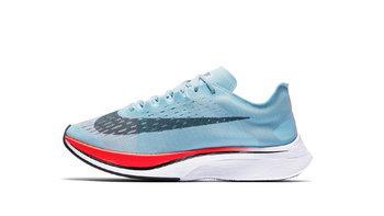 """หนึ่งในรองเท้าวิ่งที่ """"ตูน บอดี้สแลม"""" ใส่วิ่ง #ก้าวคนละก้าว"""