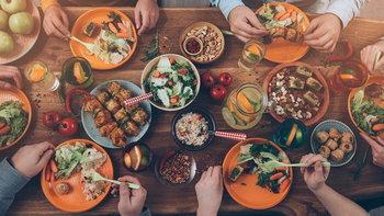 10 มารยาทและพฤติกรรมแปลกๆ บนโต๊ะอาหารจากทั่วโลก