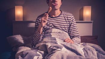 6 วิธีจัดการกับความหิวยามดึก