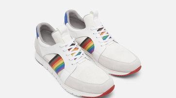 Kenneth Cole ปล่อยรองเท้า Pride Collection โดดเด่นด้วยการแต่งแต้มสีรุ้ง