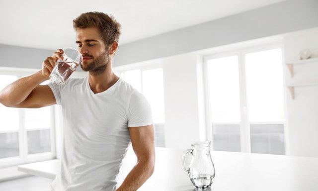 จะเกิดอะไรขึ้น เมื่อคุณดื่มน้ำน้อยเกินไป ?