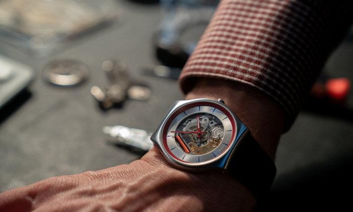 "SWATCH เปิดตัว ""Q Watch"" นาฬิกาลิมิเต็ดเอดิชั่นคู่กายสายลับ Q"