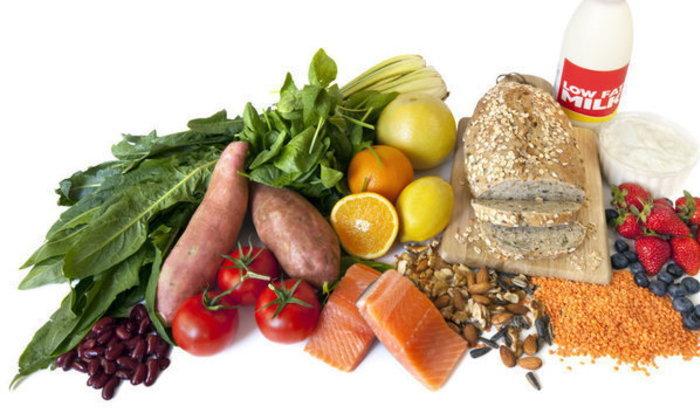 9 สิ่งที่กินแล้วสามารถช่วยลดสิวได้