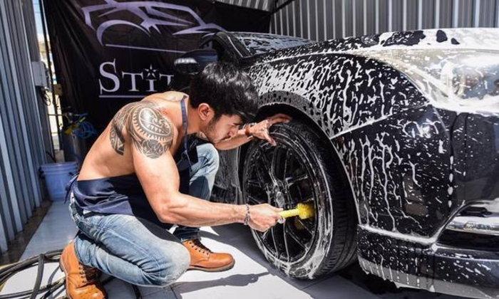 รวม 5 สิ่งที่ไม่ควรทำเวลาล้างรถคันโปรดด้วยตัวเอง