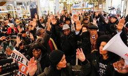 นักการตลาด วิเคราะห์เหตุผลการเกิดจลาจลวุ่นวายช่วงเทศกาลลดราคา 'Black Friday'