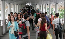 'สวนดุสิตโพล' เผยคนไทยส่วนใหญ่กังวลค่าครองชีพสูง-ศก.ตกต่ำ วอนรัฐเร่งแก้