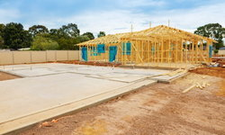 """""""สร้างบ้านสร้างอาชีพ"""" 3 แบงก์รัฐเปิดโอกาสให้คนไทยมี """"บ้าน-กิจการ"""" ของตนเอง"""