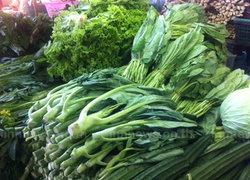 น้ำท่วมทำผักใบเขียวขาดตลาด-เนื้อหมูทรงตัว