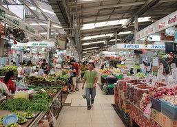ผู้ค้าตลาดยิ่งเจริญชี้ราคาผักปรับขึ้น5บาท