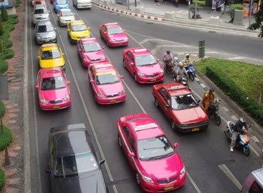 ไฟเขียว แท็กซี่ขึ้นค่าโดยสารตามระยะทาง 50 ส.ต.