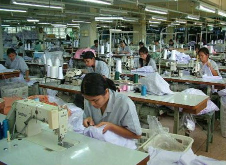 ขึ้นค่าแรงขั้นต่ำ 300 ส่งผลกระทบอุตสาหกรรม