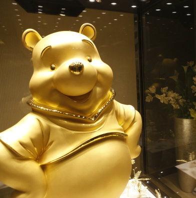 ตะลึง !! หมีพูห์ทองคำ ราคา 40 ล้านบาท