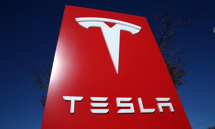 อีลอน มัสค์ ตั้งเป้าเริ่มต้นผลิตรถยนต์ 'เทสล่า' ในจีนปี 2020